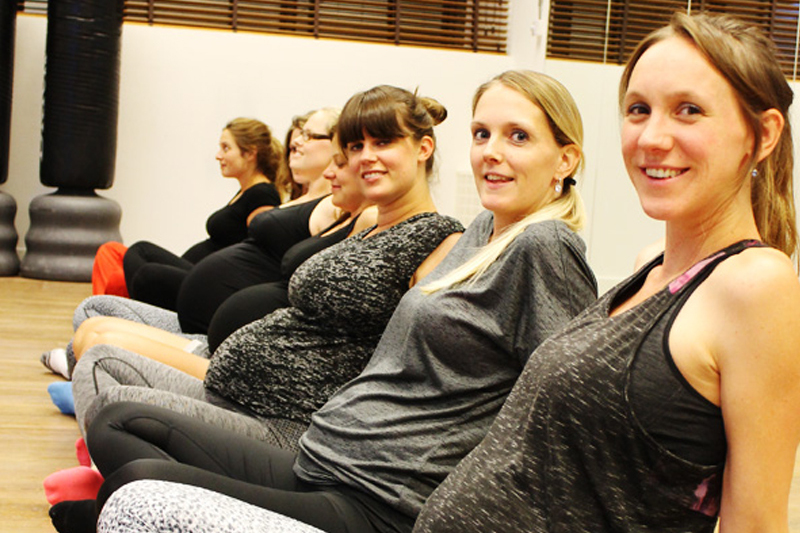 [Translate to English:] Pregnant-workout-zwangerschapsgym-Rotterdam
